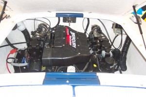 2000 DONZI 22 CLASSIC W/ 454MAG MERC V8 BRAVO I I/O & TRAILER
