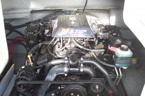 2001 CROWNLINE 238DB DECK BOAT W/ 5.7L EFI MERC V8 BRAVO I I/O