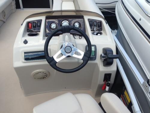 2014 BENNINGTON 24 SSLDX W/ F115 YAMAHA 4-STROKE O/B & DOCKAGE ON CANANDAIGUA LAKE