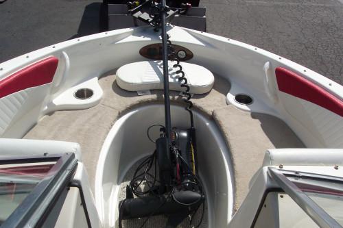 2009 GLASSTRON GT-185 SF BOW RIDER W/ 3.0L VOLVO & TRAILER