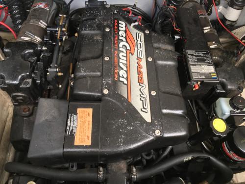 1998 CROWNLINE 266 BR W/ 502 MAG MPI MERC V8 BRAVO III I/O
