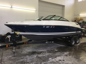 2015 SEA RAY 230 SLX OPEN BOW W/ 4.5L MERC BRAVO III I/O & CUSTOM TANDEM TRAILER