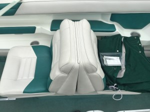2010 TAHOE 216 DECK BOAT W/ 4.3L V6 MERC I/O & CUSTOM TRAILER