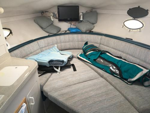 1996 LARSON 26' CABRIO 260 CRUISER W/VOLVO 300HP DUO PROP I/O & VENTURE TRAILER