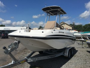 2018 HURRICANE CC 19-OB DECK BOAT W/ 135 HP HONDA O/B & SINGLE AXLE TRAILER