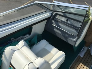 WELLCRAFT ECLIPSE 196 OPEN BOW W/ 4.3L MERC V6 I/O & 2017 VENTURE TRAILER