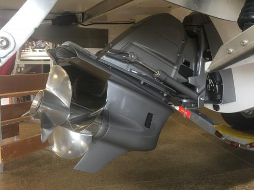 2020 REGAL 2800 BOW RIDER W/ VOLVO V8 380 DP CAT EVC G5 I/O