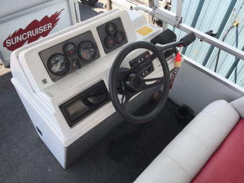 1992 SUNCRUISER 24' PONTOON BOAT W/ 90HP 2-STROKE EVINRUDE O/B