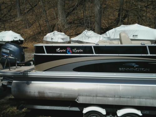 2011 BENNINGTON 2375 GCW PONTOON BOAT W/ F150 YAMAHA & TRAILER