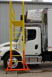 Adjustable Height Reefer Work Platform_Side_View