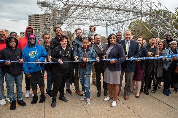 Mayor Warren Cuts Ribbon on Downtown Play Walk