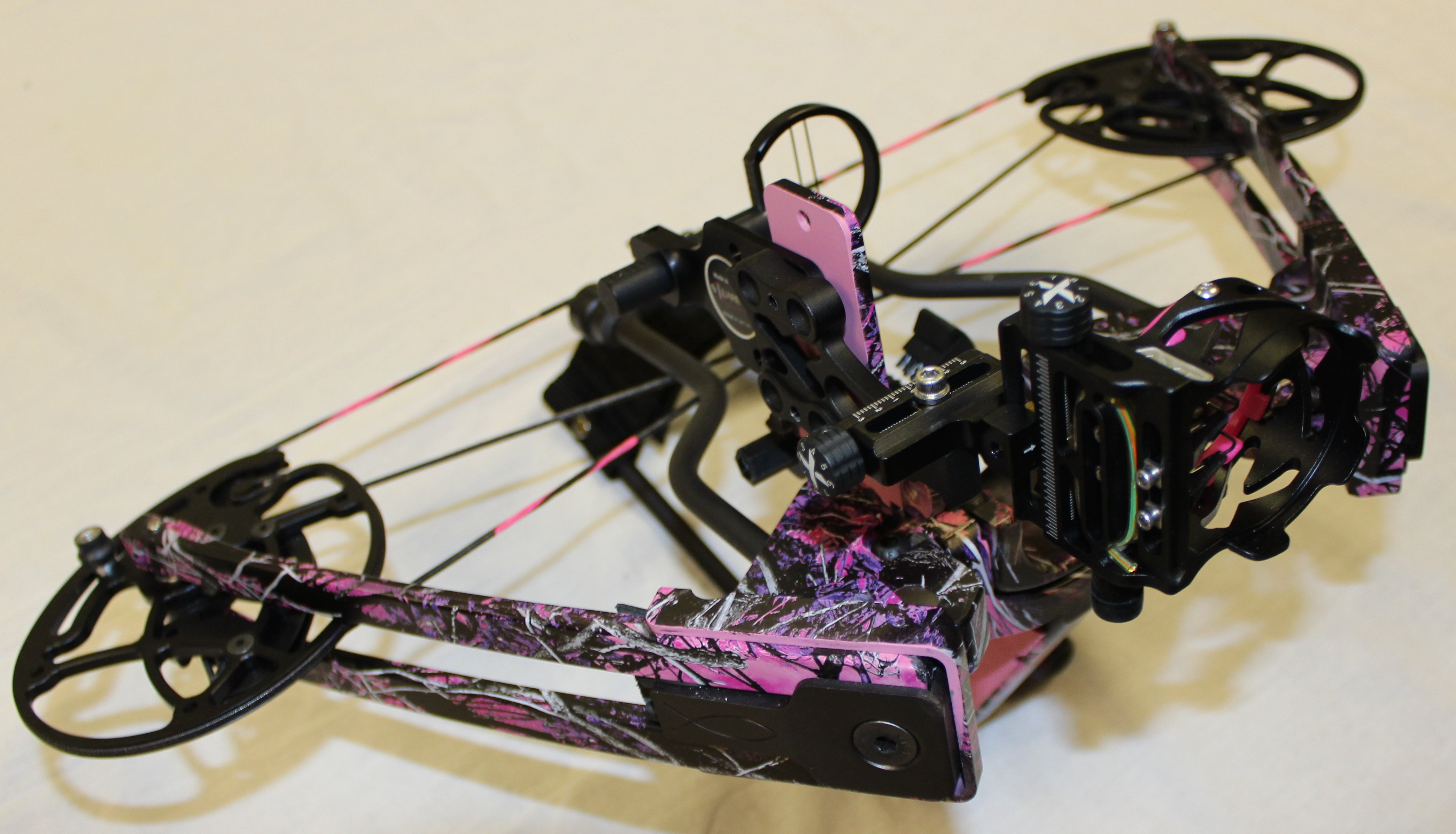 775 Muddy Girl - Hunting Bow