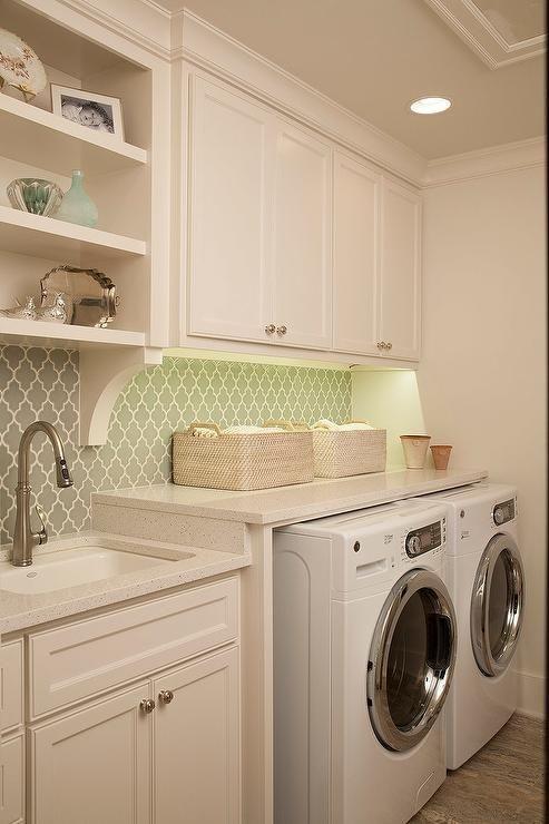 Arabesque laundry room tile
