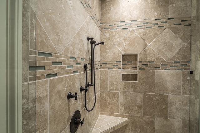 Horizontal Tiled Showers