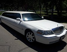 White Lincoln Tiffany Limousine