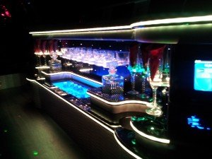10 Passenger SUV Limo With Bar