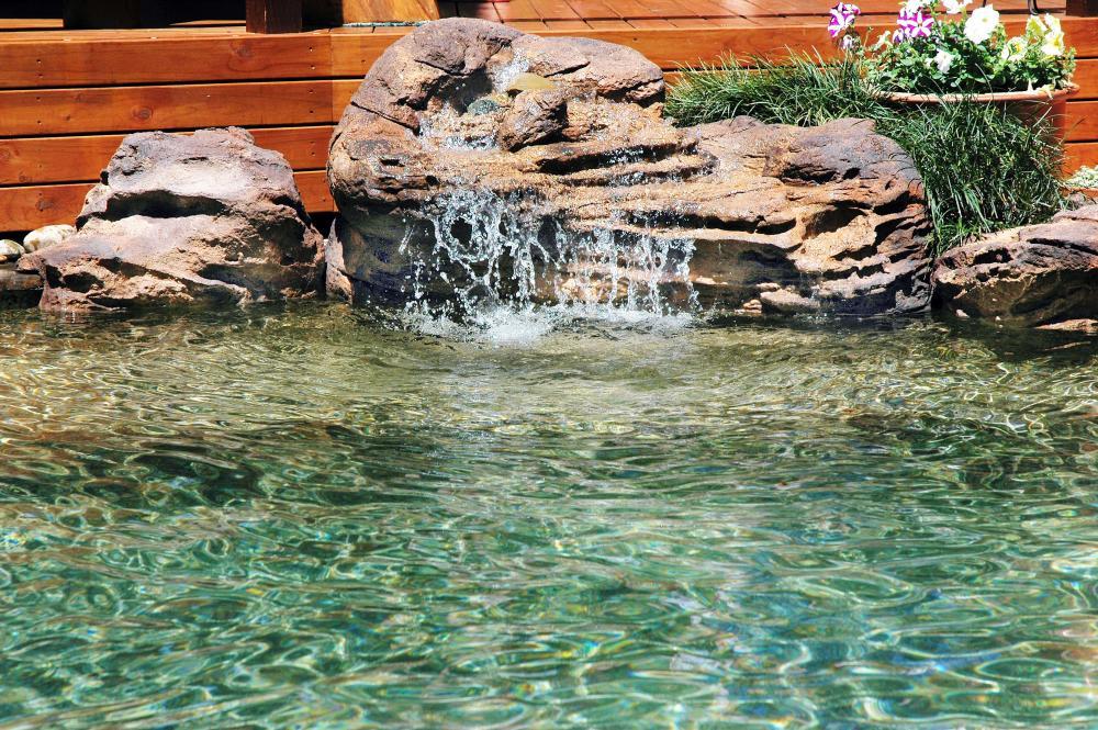 Somerset | Swimming Pool Waterfalls | Universal Rocks