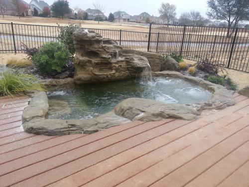 Large Rock Hot Tub / Spa