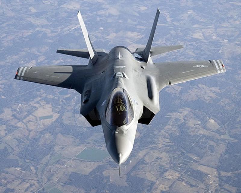 Lockheed Martin F-35 Fighter Jet