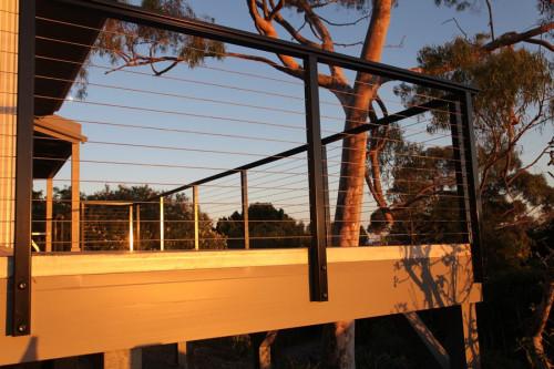 TR100 Aluminum Top Rail in Use
