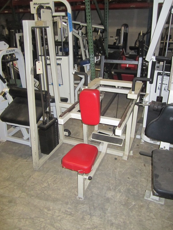 Flex Leverage Seated Uni Lateral Row Gym Equipment - Remanufactured
