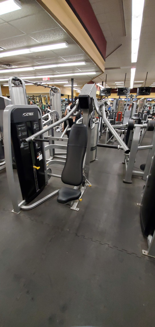 15 Piece Cybex Eagle Circuit - As is Functional