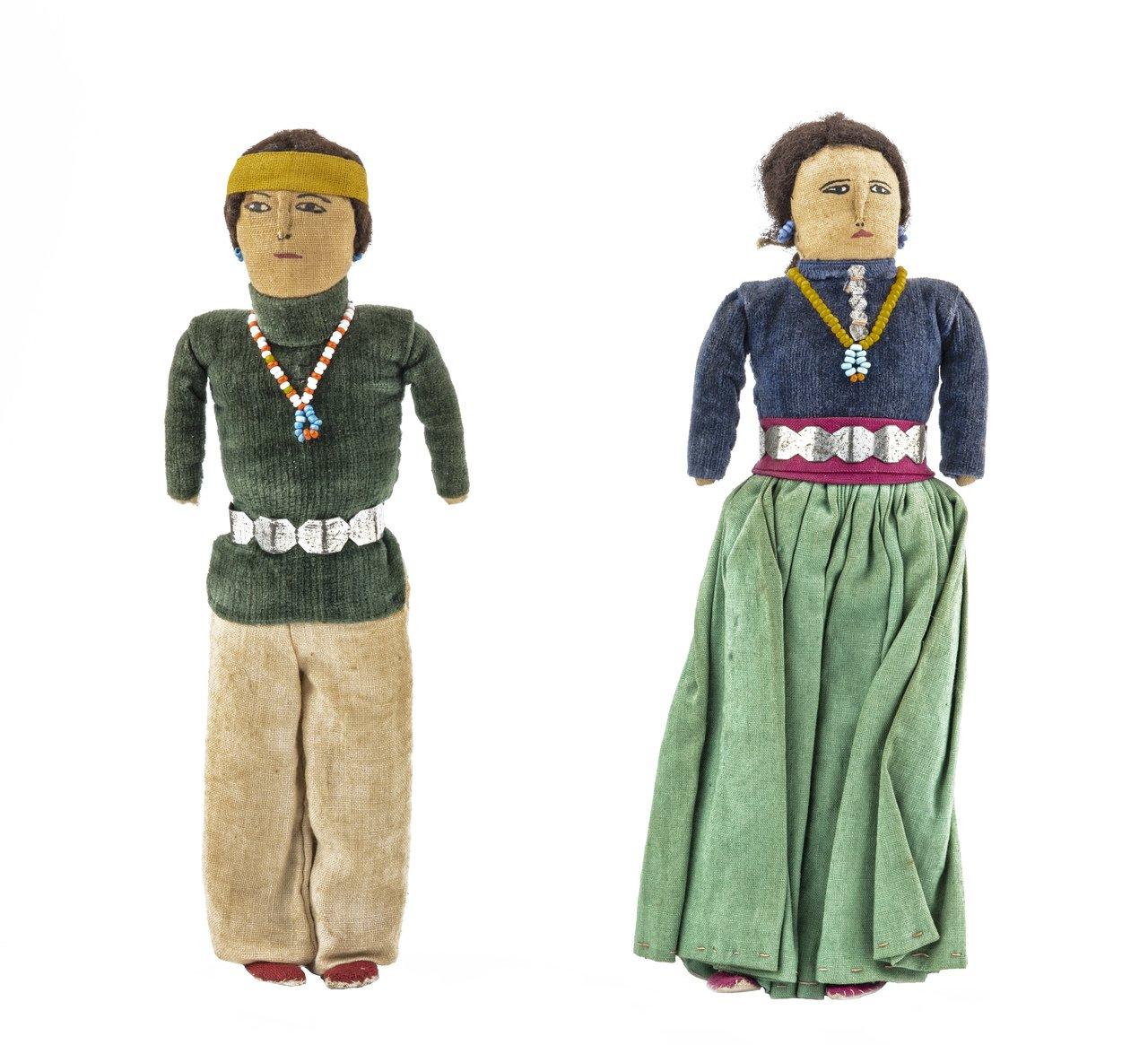 A Pair Of Vintage Navajo Dolls