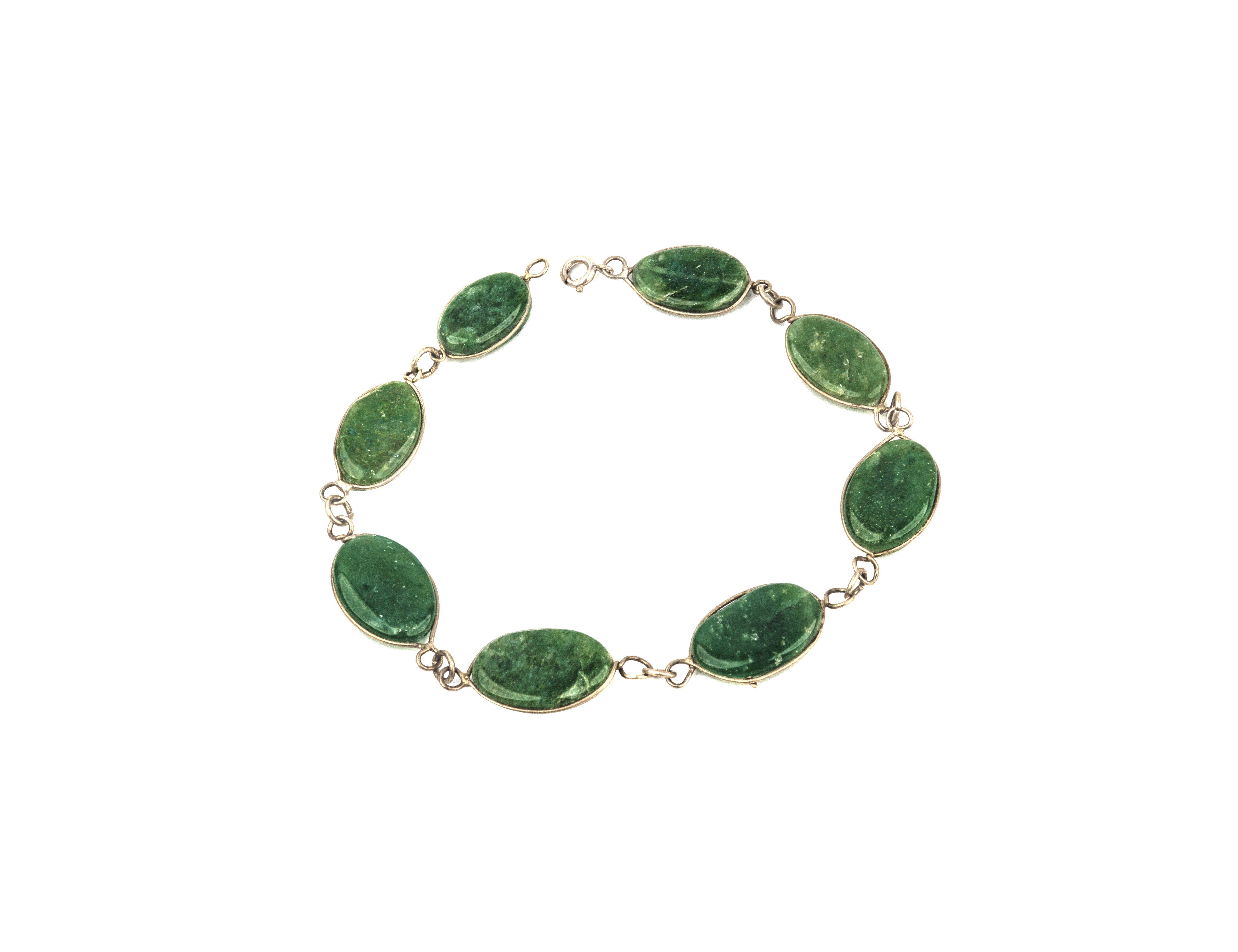 b2a55a3e0 A Vintage Green Hard Stone Medallion Bracelet | Artzze