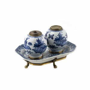 Antique Chinese blue and white porcelain ink stand side view