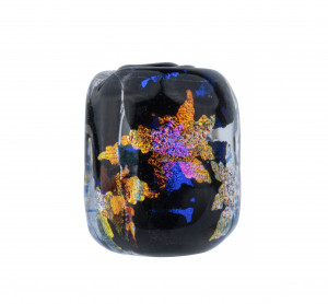 A Contemporary Maple Leaf Foil Decorated Glass Ojime Bead