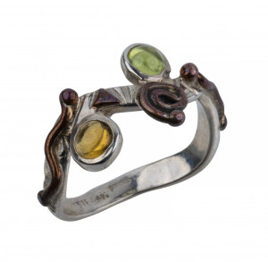 A Vintage Sterling Silver Mineral Inlaid Modern Squiggle Form Ring