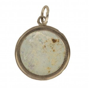 A Roman Glass Fragment Inlaid Mounted Pendant