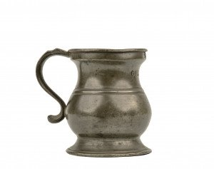 An Early Primitive Pewter Creamer Stamped VR464S GILL