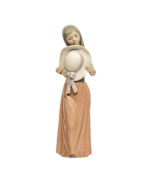 A Vintage Lladro Porcelain Figurine Daisa 1978 F-7A