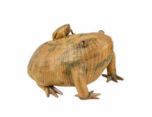 A Vintage Chinese Woven Frog Form Basket