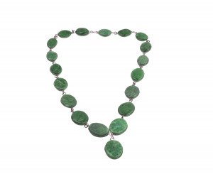 A Vintage Green Hard Stone Medallion Necklace