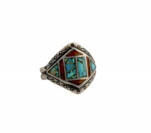 A Vintage Inlaid Navajo Style Ring Size 8