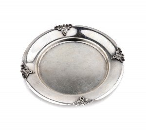 A Vintage Arts & Crafts Style Fisher Alexandria Sterling Silver Dish