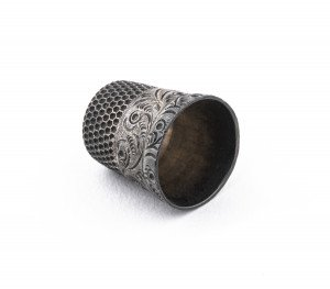 An Antique Victorian Decorated Sterling Silver Thimble
