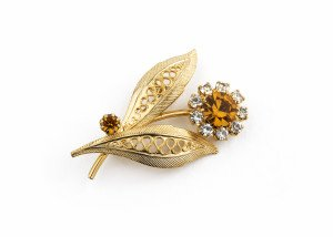 A Vintage Costume Jewelry Floral Broach Pin