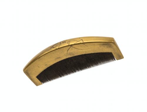 Meiji Era Japanese Gilt Lacquerware Comb Of Grasshopper